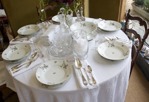 Une table bien dress e le coup de coeur brocante - Table pour brocante ...