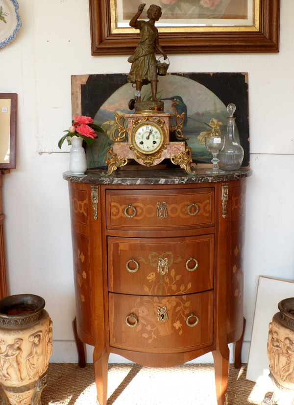 Commode marquettée